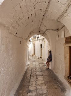 Ostuni, la citta bianca in Italia Culture Of Italy, Holiday Destinations, Most Beautiful Pictures, Exotic, Vacation, Sunset, World, Beach, Travel