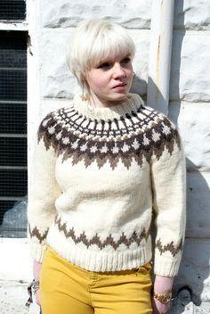 Icelandic lopi wool sweater | Flickr - Photo Sharing! Thick Sweaters, Girls Sweaters, Cozy Sweaters, Nordic Sweater, Icelandic Sweaters, Fair Isle Pattern, Fair Isle Knitting, Knit Basket, Knit Shirt