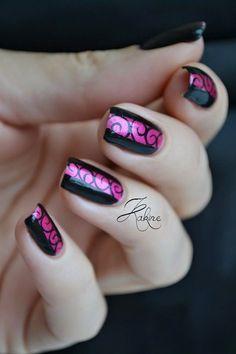 Spirales Black & Pink Nails.