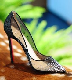 """""""Cheap Christian Louboutin shoes. Super cute!!OMG!! Holy cow Some less than $116 I'm gonna love this site!"""""""