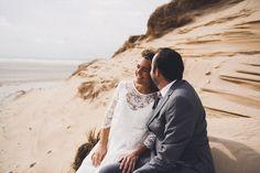 #photographie #photography #mer #beach #afterday #couple #happymoments #manon #debeurme #photographe #photographer #lille #nord #france Happy Moments, France, Couple Photos, Couples, Beach, Photography, Couple Shots, The Beach, Couple Photography
