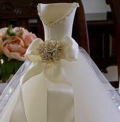 Atelier Ivania Karla: Olha gente que idéia linda de centro de mesa de casamento, super diferente. Achado na net!