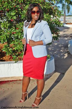 wear more seersucker! [Spring/Summer Outfit Red pencil skirt and seersucker blazer] Miami Fashion, Work Fashion, Curvy Fashion, Plus Size Fashion, Petite Fashion, Skirt Fashion, Seersucker Blazer, Miami Mode, Curves And Confidence