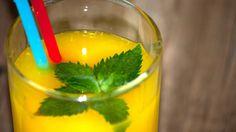 Домашний лимонад ФАНТА https://www.youtube.com/watch?v=O-KEqRdR13I Домашний лимонад Фанта по-настоящему впечатляющий прохладительный напиток. Причем он совершенно, универсален, так как уместен и в летнюю жару и в дождливую осень, а зимой напиток становится еще одним источником витаминов из свежих продуктов. Секрет насыщенного вкуса и яркого цвета во времени настаивания фанты, чем дольше, тем ярче.