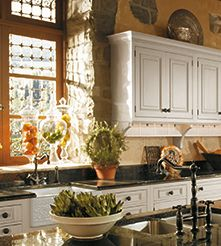 Spark your imagination and see what's possible with Wood-Mode custom kitchen cabinets. Kitchen Cabinet Styles, Custom Kitchen Cabinets, Custom Cabinetry, Cape Cod Kitchen, Wood Mode, Craftsman Kitchen, Kitchen Dinning, Kitchenette, Country Kitchen