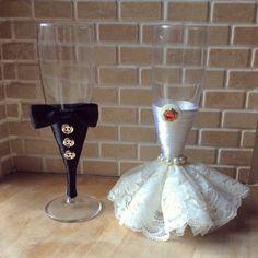 Bride and groom wedding toasting champagne flutes Wedding Toasting Glasses, Wedding Champagne Flutes, Wedding Bottles, Wedding Groom, Wedding Reception, Wedding Toasts, Vintage Mermaid, Bridal Shower Gifts, Bottle Crafts