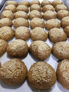 Hamburger, Bread, Food, Hamburgers, Breads, Burgers, Bakeries, Meals