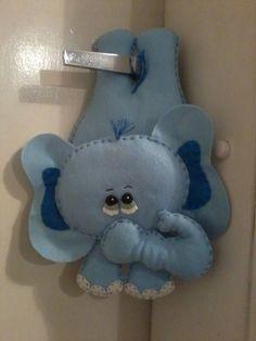 elefante de maçaneta por Flor de Algodão