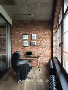 Every time I see a loft apartment, I always look forward to how they do the walls. I don't know why but I find the walls of loft spaces lovely.