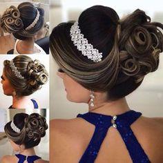 Discover penteadossonialopes's Instagram O Coque queridinho das Noivas ❤️ #PenteadosSoniaLopes ✨ . . . #sonialopes #cabelo #penteado  #noiva #noivas #casamento #hair #hairstyle #weddinghair #wedding #inspiration #instabeauty #penteados #novia  #inspiração #moicano #lovehair #videohair  #noivasdobrasil #vireinoiva  #noivassp #noivas2017 #noivas2018 #universodasnoivas #coque #bride #bridesmaid 1550432739257577415_1188035779 Elegant Hairstyles, Bride Hairstyles, Bridal Flip Flops, Hairdo Wedding, Wedding Crafts, Gorgeous Hair, Hair Pieces, Hair Growth, Bridal Hair
