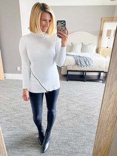 Fall outfit with Leggings you can copy // how to style faux leather leggings // what to wear with faux leather leggings // Fall outfit you can wear // Fall outfit // fall fashion #ShopStyle #MyShopStyle #fallfashion #falloutfit #fauxleatherleggings #spanx