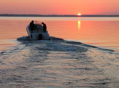 I Miss Minny Summers on Lake Minnetonka - late night ski sets, sunset tours, maynards, and big island