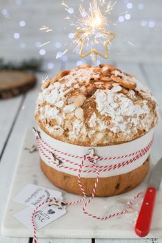 Panettone facile e veloce - Candle Recipes Christmas Cooking, Christmas Desserts, Christmas Treats, Shakeology Mug Cake, Ricardo Recipe, Pavlova, Sweet Recipes, Holiday Recipes, Bakery