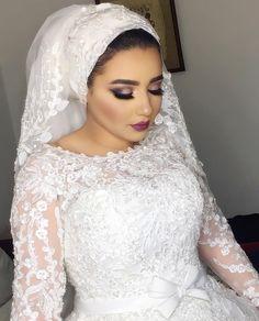 Pinterest @adarkurdish Hijabi Wedding, Arab Wedding, Muslim Wedding Dresses, Disney Wedding Dresses, African Wedding Dress, Elegant Wedding Hair, Muslim Brides, Wedding Bride, Wedding Gowns