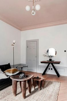 Quirky home with a pink ceiling - COCO LAPINE DESIGNCOCO LAPINE DESIGN