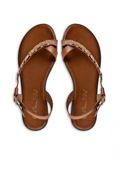 Flat Sandals Envie με χρυσά φύλλα - Miss Pinky Flat Sandals, Flats, Fashion Shoes, Womens Fashion, Envy, Loafers & Slip Ons, Women's Clothes, Flat Shoes, Woman Fashion