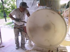 Etruria Travels | Albast bewerken. Een oud ambacht wordt nog steeds uitgeoefend rondom Volterra.
