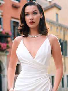 "allthingsbella: ""Bella Hadid arriving the Bulgari Party in Venice on June 2017 "" Bella Hadid Outfits, Bella Gigi Hadid, Bella Hadid Style, Cute Dresses, Prom Dresses, Leder Outfits, Zuhair Murad, Red Carpet Looks, Elie Saab"