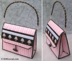 Plastic Canvas Purse Pattern found at http://www.aokcorral.com/projects/how2july2010.htm