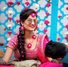 ( Mehendi Goals - Our gorgeous bride Yatika looks stunning on her mehendi ! Mehndi Ceremony, Haldi Ceremony, Flower Jewellery For Mehndi, Flower Jewelry, Bridal Jewellery, Gota Patti Jewellery, Bridal Hairstyle Indian Wedding, Mehendi Outfits, Indian Wedding Photography