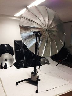 Making of Headshots - See how we do it. Fighter Jets, How To Make, Photography, Decor, Photos, Image Editing, Pictures, Photograph, Photography Business