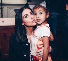 "2,626 Likes, 11 Comments - @kardashianuniverse_ on Instagram: ""❤❤"""
