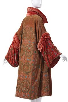 Madame Havet (French) Evening Coat -- 1928 -- Beaded & embroidered velvet -- Collection of Phoenix Art Museum. 20s Fashion, Fashion Mode, Moda Fashion, Art Deco Fashion, Fashion History, Vintage Fashion, Womens Fashion, Fashion Design, 1920 Fashion Dress