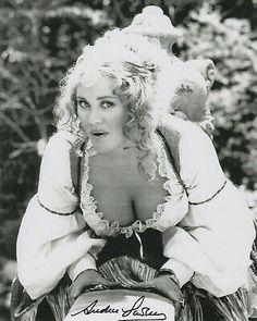 Andrea Lawrence... Countess Dracula (1971)