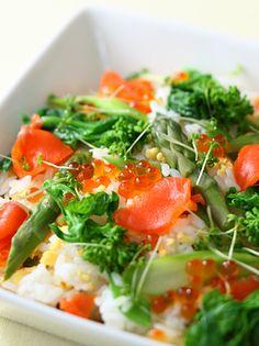 春野菜とサーモンのちらし寿司