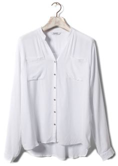 White shirt pull and bear