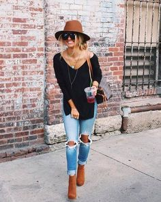 These cute fall outfits are the perfect fall fashion trends! Cute fall outfits you need for your fall wardrobe! From leather jackets and sweaters to fall boots these fall fashion trends are the best outfit ideas! Boho Outfits, Outfits With Hats, Casual Fall Outfits, Fall Winter Outfits, Autumn Winter Fashion, Trendy Outfits, Winter Wear, Outfits 2016, Winter Style