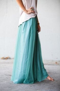 I love this more than words. So beautiful. Teal maxi skirt, white tank top forever 21, boho bohemian style bohemian gyspy lover american apparel garden chic outfit