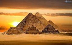 Necropoli di Giza, periferia sud-occidentale de Il Cairo
