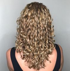 V-Cut Long Curly Blonde Hairstyle