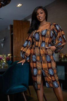 Here at Grass-fields we have an awesome range of African dress designs. Whether you're after an African print maxi or midi dress, we've got something for you. African Dress Patterns, African Print Dresses, Short African Dresses, Ankara Short Gown Styles, Short Gowns, African Fashion Traditional, Mode Wax, Fitted Midi Dress, Latest African Fashion Dresses