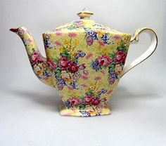 "This is my pattern: Royal Winton ""Welbeck"" Chintz teapot"