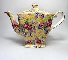 """Royal Winton """"Welbeck"""" Chintz teapot"""