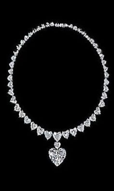 Diamond Necklaces Great, or just OK? Diamond Necklaces How to Wear: Statement Necklaces Graff Jewelry, Diamond Jewelry, Jewlery, Jewelry Necklaces, Gold Jewelry, I Love Jewelry, Fine Jewelry, Diamond Pendant Necklace, Diamond Necklaces
