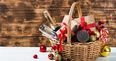 We take a look at the handmade delights you can fill your homemade Christmas baskets with this December. What will you fill yours with? Best Christmas Gift Baskets, Family Gift Baskets, Gift Baskets For Men, Themed Gift Baskets, Raffle Baskets, Christmas Baskets, Christmas Fun, Homemade Birthday Gifts, 21st Birthday Gifts