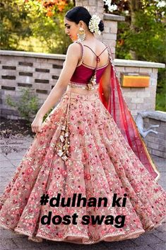 Indian girl with a glamour dress - Designer Dresses Couture Indian Bridal Outfits, Indian Bridal Lehenga, Indian Designer Outfits, Designer Dresses, Lehenga Choli Wedding, Indian Wedding Gowns, Net Lehenga, Indian Bridal Wear, Anarkali
