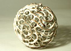 Gerhard Lutz, Tonkünstler und Fotograf Pottery Sculpture, Pottery Art, Art Installation, Organic Sculpture, Keramik Design, Contemporary Vases, Ceramic Tableware, Organic Form, Paperclay