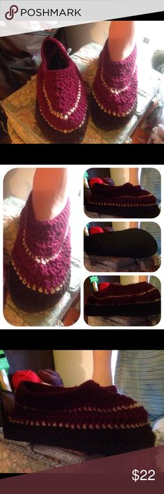 Crocheted flip-flops Just completed. These are a hot item, right now. Made with Old Navy flip-flops and crocheted top, by me. Unisex, size 6 in women's would be a 4 in men's. Durable for outdoors, but not for wet weather. Handmade by Sulema Shoes Slippers