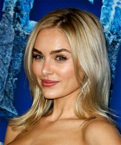 Michelle Randolph Long Straight Blonde Hairstyle with Layered Bangs and Light Blonde Highlights - Trending Hairstyles Light Blonde Highlights, Diamond Hair, Hair Density, Trending Hairstyles, Light Hair, Textured Hair, Face Shapes, Hair Type, Her Hair