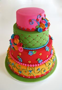 Such a cheery cake! I love the color combination, it would be great for a little girls birthday!