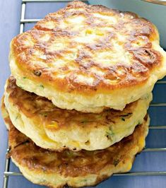 Sweet corn & zucchini fritters  1 1 2 cups self-rising flour 1 cup milk 2 eggs 2 corn cobs, kernels removed 1 zucchini, grated oil for shallow-frying Whisk flour, eggs and milk together until smooth..