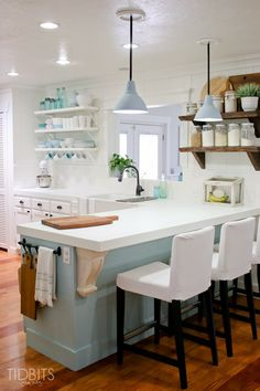 Home Decor 2019 Cottage tour - they turned this basic house into a cottage that looks like it's been there for centuries! Love the open shelves and planked walls in the kitchen - so many great DIY ideas eclecticallyvinta. Kitchen Redo, New Kitchen, Kitchen Remodel, Kitchen Dining, Kitchen Soffit, Kitchen Black, Awesome Kitchen, Kitchen Chairs, Kitchen Paint