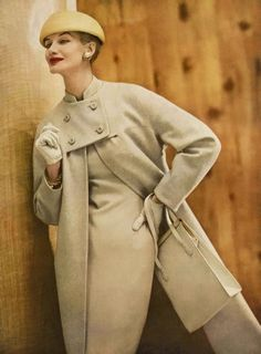 Sunny Harnett in beige and white wool tweed coat to match the sheath underneath (seen in next picture) from Vogue Pattern hat by Emme, handbag by Milch, photo by Roger Prigent, Vogue, February 1956 Retro Mode, Mode Vintage, Vintage Vogue, Fifties Fashion, Retro Fashion, Vintage Fashion, Womens Fashion, Modest Fashion, Korean Fashion