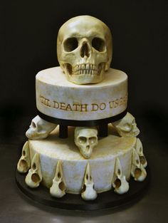 The perfect wedding cake for you goth kids out there.