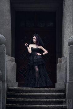 #Darya #Goncharova #althemy #Modeling #Model #Artist #Witchcraft #Photography #Makeup #Fashion #Gothic #Dark #Fashion #Designer daryagoncharova.althemy.com