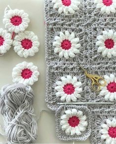 Daisy Granny Square pattern by Inas Fadil Basymeleh Granny Square Crochet Pattern, Crochet Flower Patterns, Afghan Crochet Patterns, Crochet Squares, Crochet Motif, Diy Crochet, Crochet Crafts, Crochet Flowers, Crochet Projects